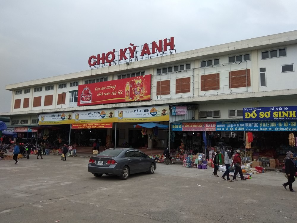 Ky Anh market
