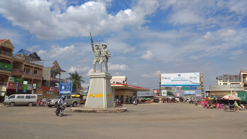 Neak Loeung main square is by all means patriotic.