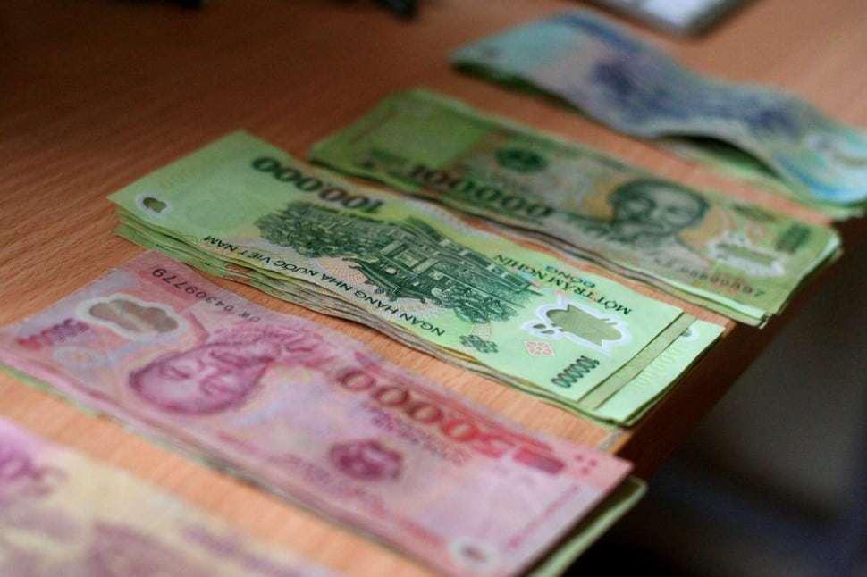 Vietnamese bank notes