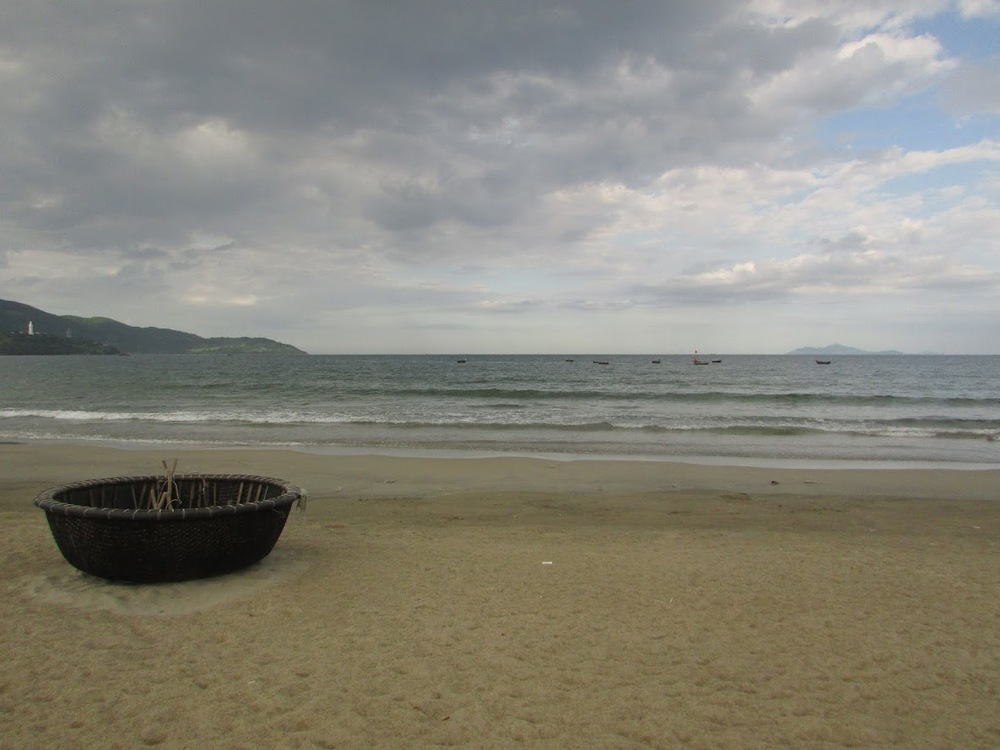 The beautiful Da Nang beach.