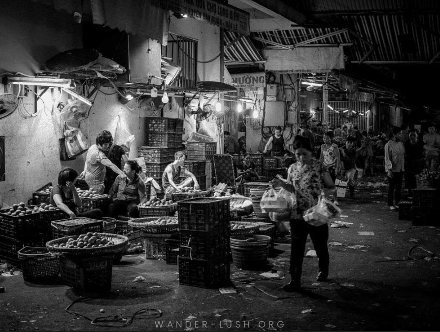 Things to do in Hanoi at night - Long Bien Market