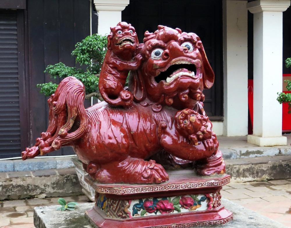 Best Vietnam temples - Temple of Literature in Hanoi
