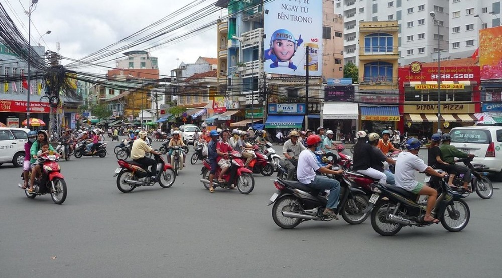 Is it necessary to get international driving license in Vietnam?