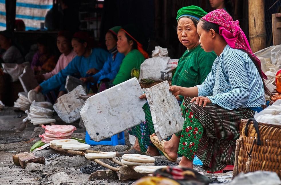 dong van food market
