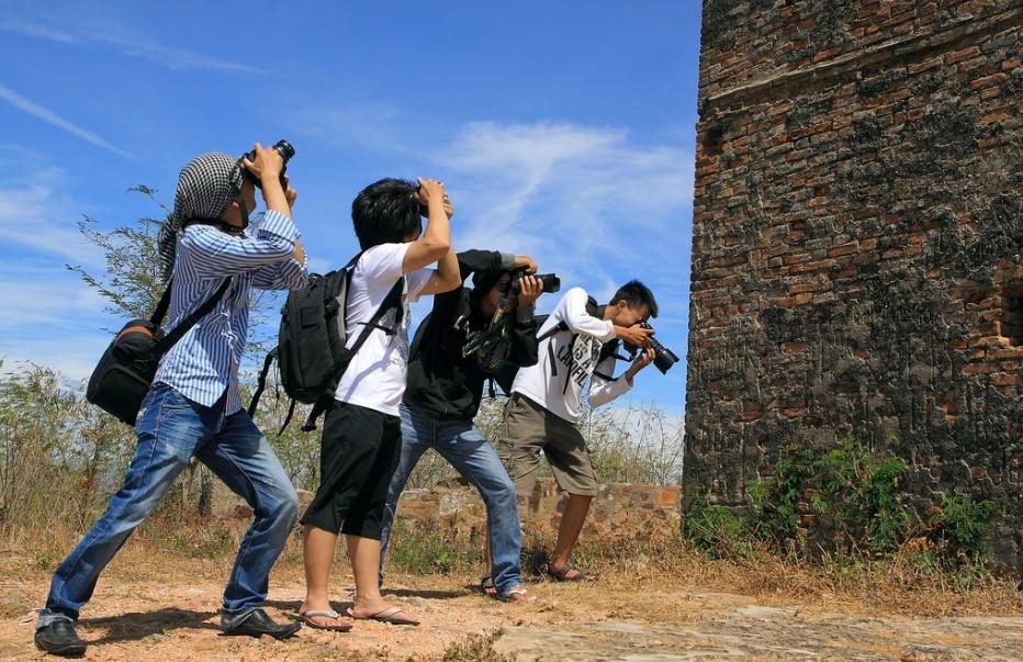 Photographers at Hai Van